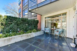 """Photo 15: 117 22 E ROYAL Avenue in New Westminster: Fraserview NW Condo for sale in """"The Lookout - Victoria Hill"""" : MLS®# R2385035"""