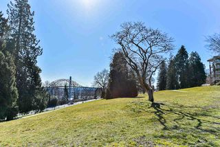"""Photo 19: 117 22 E ROYAL Avenue in New Westminster: Fraserview NW Condo for sale in """"The Lookout - Victoria Hill"""" : MLS®# R2385035"""