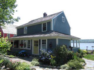 Photo 1: 10 Charlotte Lane in Shelburne: 407-Shelburne County Residential for sale (South Shore)  : MLS®# 201918725