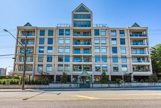 """Main Photo: 301 15466 NORTH BLUFF Road: White Rock Condo for sale in """"The Summit"""" (South Surrey White Rock)  : MLS®# R2395388"""