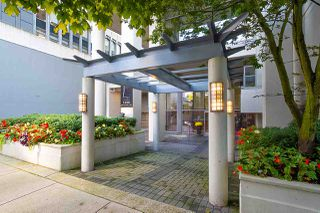 """Photo 27: 2202 1228 W HASTINGS Street in Vancouver: Coal Harbour Condo for sale in """"Palladio"""" (Vancouver West)  : MLS®# R2485869"""