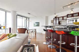 """Photo 9: 2202 1228 W HASTINGS Street in Vancouver: Coal Harbour Condo for sale in """"Palladio"""" (Vancouver West)  : MLS®# R2485869"""