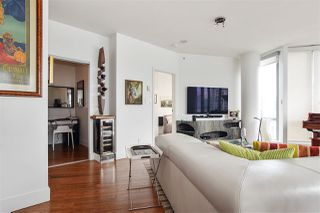 """Photo 7: 2202 1228 W HASTINGS Street in Vancouver: Coal Harbour Condo for sale in """"Palladio"""" (Vancouver West)  : MLS®# R2485869"""