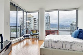 "Photo 10: 2202 1228 W HASTINGS Street in Vancouver: Coal Harbour Condo for sale in ""Palladio"" (Vancouver West)  : MLS®# R2485869"