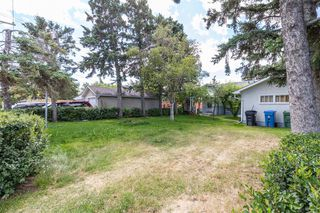 Photo 3: 1830 41 Street SE in Calgary: Forest Lawn Detached for sale : MLS®# A1022931