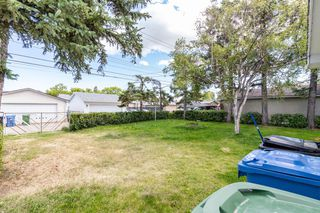 Photo 5: 1830 41 Street SE in Calgary: Forest Lawn Detached for sale : MLS®# A1022931