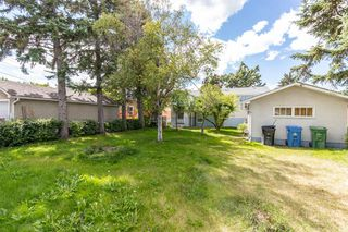 Photo 9: 1830 41 Street SE in Calgary: Forest Lawn Detached for sale : MLS®# A1022931