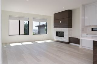Photo 11: 914 STEWART Avenue in Coquitlam: Maillardville House for sale : MLS®# R2488544