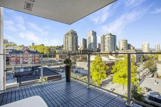 """Photo 10: 805 668 COLUMBIA Street in New Westminster: Quay Condo for sale in """"TRAPP + HOLBROOK"""" : MLS®# R2503921"""