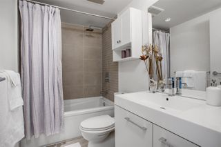 """Photo 7: 805 668 COLUMBIA Street in New Westminster: Quay Condo for sale in """"TRAPP + HOLBROOK"""" : MLS®# R2503921"""
