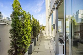 """Photo 11: 805 668 COLUMBIA Street in New Westminster: Quay Condo for sale in """"TRAPP + HOLBROOK"""" : MLS®# R2503921"""
