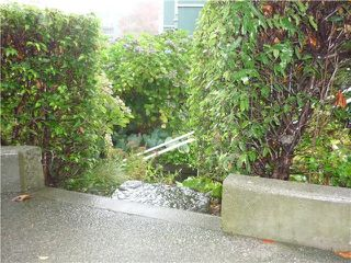 """Photo 2: 101 1550 MARINER Walk in Vancouver: False Creek Condo for sale in """"MARINER POINT"""" (Vancouver West)  : MLS®# V976624"""