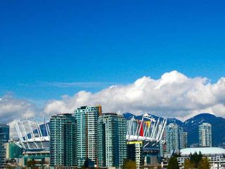 "Photo 1: 404 388 W 1ST Avenue in Vancouver: False Creek Condo for sale in ""THE EXCHANGE"" (Vancouver West)  : MLS®# V1028659"