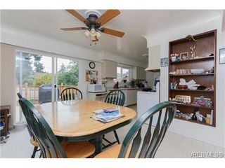 Photo 6: 3398 Hatley Dr in VICTORIA: Co Lagoon Single Family Detached for sale (Colwood)  : MLS®# 674855