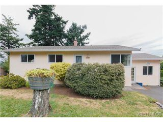 Photo 2: 3398 Hatley Dr in VICTORIA: Co Lagoon Single Family Detached for sale (Colwood)  : MLS®# 674855