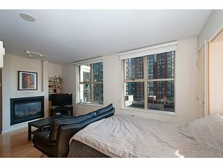 "Photo 1: 609 969 RICHARDS Street in Vancouver: Downtown VW Condo for sale in ""Mondrian II"" (Vancouver West)  : MLS®# V1108545"