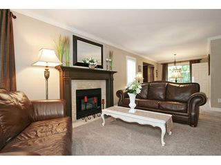 "Photo 3: 21510 83B Avenue in Langley: Walnut Grove House for sale in ""Forest Hills"" : MLS®# F1442407"