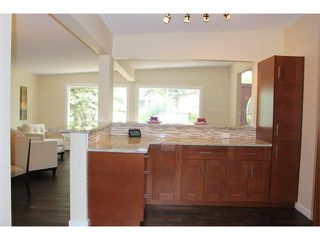 Photo 5: 1616 110 Avenue SW in Calgary: Braeside_Braesde Est House for sale : MLS®# C4031183