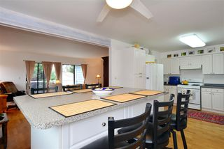 "Photo 6: 1376 EVERALL Street: White Rock House for sale in ""White Rock"" (South Surrey White Rock)  : MLS®# R2026894"