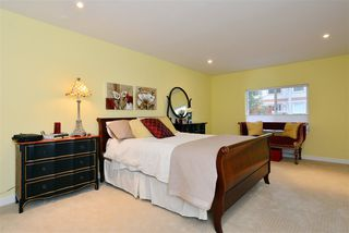 "Photo 10: 1376 EVERALL Street: White Rock House for sale in ""White Rock"" (South Surrey White Rock)  : MLS®# R2026894"