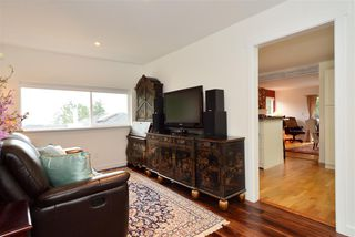 "Photo 9: 1376 EVERALL Street: White Rock House for sale in ""White Rock"" (South Surrey White Rock)  : MLS®# R2026894"