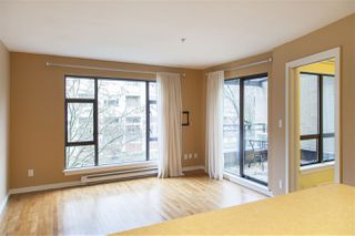 "Photo 1: 305 2226 W 12TH Avenue in Vancouver: Kitsilano Condo for sale in ""DESEO"" (Vancouver West)  : MLS®# R2072594"