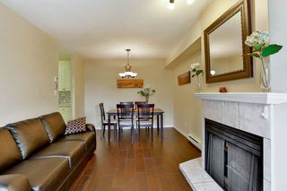Photo 3: 2 7901 13TH Avenue in Burnaby: East Burnaby Townhouse for sale (Burnaby East)  : MLS®# R2092676