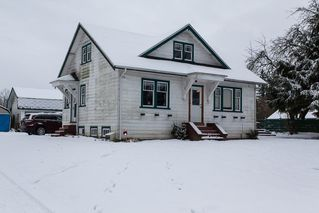 "Photo 2: 8412 192 Street in Surrey: Port Kells House for sale in ""Port Kells"" (North Surrey)  : MLS®# R2127336"