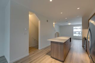 """Photo 3: 47 1188 WILSON Crescent in Squamish: Downtown SQ Townhouse for sale in """"The Current"""" : MLS®# R2132243"""