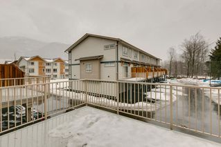 """Photo 7: 47 1188 WILSON Crescent in Squamish: Downtown SQ Townhouse for sale in """"The Current"""" : MLS®# R2132243"""