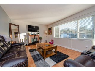 Photo 3: 8227 VIOLA Place in Mission: Mission BC House for sale : MLS®# R2135210