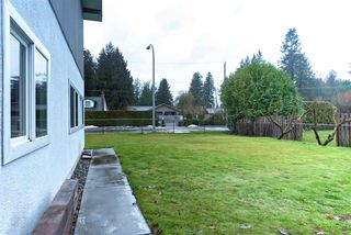 Photo 3: 19941 BRYDON Crescent in Langley: Langley City House for sale : MLS®# R2137920