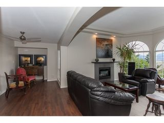 Photo 3: 35553 DINA Place in Abbotsford: Abbotsford East House for sale : MLS®# R2148905