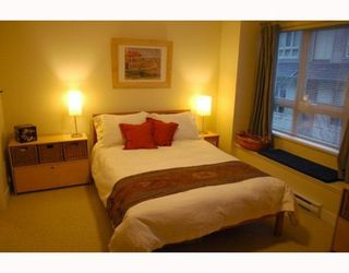 Photo 8: 30 4055 PENDER Street in Redbrick Heights: Home for sale : MLS®# V810483
