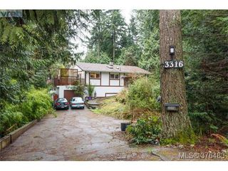 Photo 1: 3316 Fulton Rd in VICTORIA: Co Triangle Single Family Detached for sale (Colwood)  : MLS®# 755827