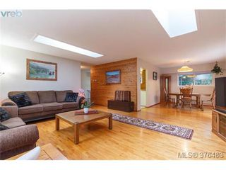Photo 2: 3316 Fulton Rd in VICTORIA: Co Triangle Single Family Detached for sale (Colwood)  : MLS®# 755827