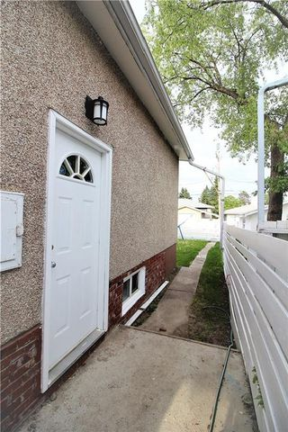 Photo 30: 3318A 38 Street SW in Calgary: Glenbrook House for sale : MLS®# C4120224