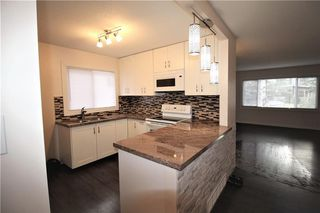 Photo 10: 3318A 38 Street SW in Calgary: Glenbrook House for sale : MLS®# C4120224
