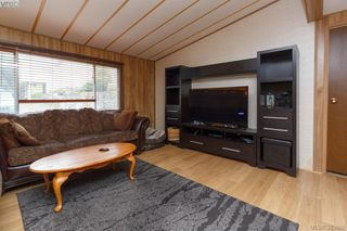 Photo 3: 27 70 Cooper Road in VICTORIA: VR Glentana Manu Double-Wide for sale (View Royal)  : MLS®# 383668