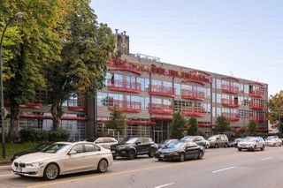 "Photo 3: 201 350 E 2ND Avenue in Vancouver: Mount Pleasant VE Condo for sale in ""MAINSPACE"" (Vancouver East)  : MLS®# R2216270"