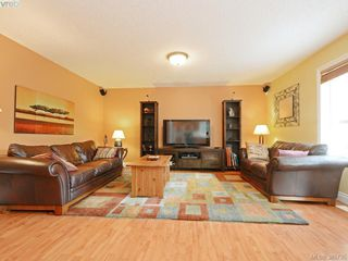 Photo 7: 5181 Rutli Meadows Pl in VICTORIA: SE Cordova Bay Single Family Detached for sale (Saanich East)  : MLS®# 775102