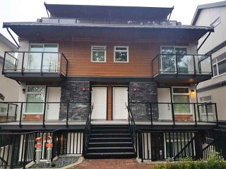 "Photo 3: 5186 CHAMBERS Street in Vancouver: Collingwood VE Townhouse for sale in ""NORQUAY PARK GARDENS"" (Vancouver East)  : MLS®# R2226833"