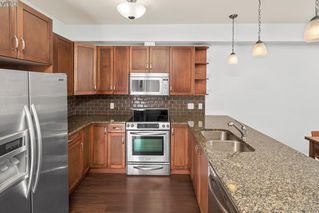 Photo 3: 208 866 Brock Ave in VICTORIA: La Langford Proper Condo for sale (Langford)  : MLS®# 779765