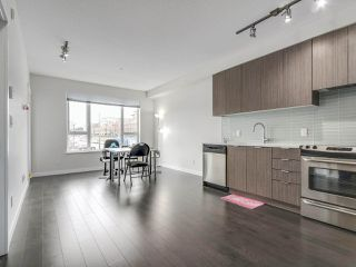 Photo 4: 211 9168 SLOPES Mews in Burnaby: Simon Fraser Univer. Condo for sale (Burnaby North)  : MLS®# R2252542