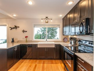 Photo 16: 3693 Oakridge Drive in Hammond Bay: House for sale : MLS®# 407321