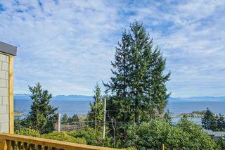 Photo 4: 3693 Oakridge Drive in Hammond Bay: House for sale : MLS®# 407321