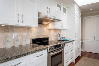 "Photo 2: 302 2455 BELLEVUE Avenue in West Vancouver: Dundarave Condo for sale in ""BELLEVUE WEST"" : MLS®# R2260590"
