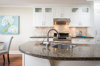 "Photo 4: 302 2455 BELLEVUE Avenue in West Vancouver: Dundarave Condo for sale in ""BELLEVUE WEST"" : MLS®# R2260590"