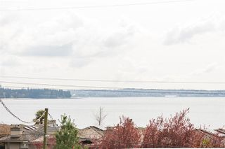 "Photo 15: 302 2455 BELLEVUE Avenue in West Vancouver: Dundarave Condo for sale in ""BELLEVUE WEST"" : MLS®# R2260590"