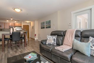 """Photo 8: 110 4723 DAWSON Street in Burnaby: Brentwood Park Condo for sale in """"Collage"""" (Burnaby North)  : MLS®# R2261958"""